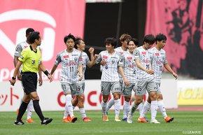 Kawasaki Frontale emerge triumphant on a high-stakes fixture, while Vissel Kobe seal fourth consecutive wins at the Nippatsu Mitsuzawa Stadium