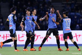 The invincibles, Kawasaki Frontale, take revenge on Nagoya Grampus to savor 11th consecutive victory, whilst thrusting Gamba Osaka extend defeat-less streaks to an 'eight'
