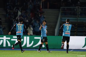 Kawasaki Frontale wins their J1 title in two years!