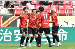 Clean sheet victory seals Nagoya Grampus' Champions League dream, while Michael Olunga tops the chart with 28 goals